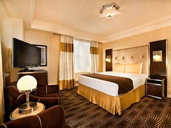 New Yorker Hotel - Room